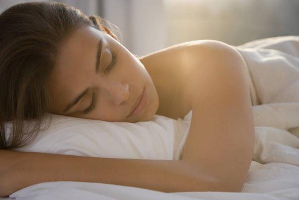 خوابیدن با سوتین در شب